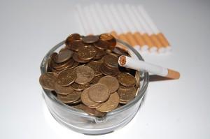 cigarettes-621344_640