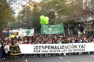 Manifestación a favor de la despenalización en Buenos Aires. Foto de analistas independientes